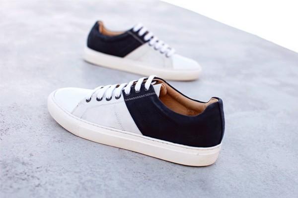 "Sneaker ""Genoa"" mit recyceltem Segeltuch navy/weiß"